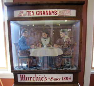 The rather terrifying Tea Grannys at Murchies.  Over 800 moving parts - thank goodness they're not moving after me.
